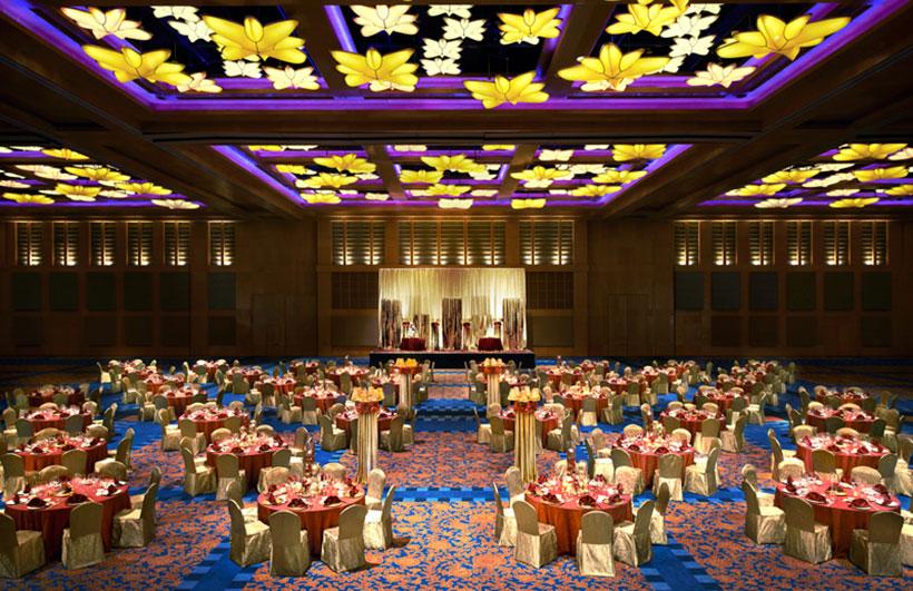 Resorts World Sentosa - Michael Graves Architecture & Design